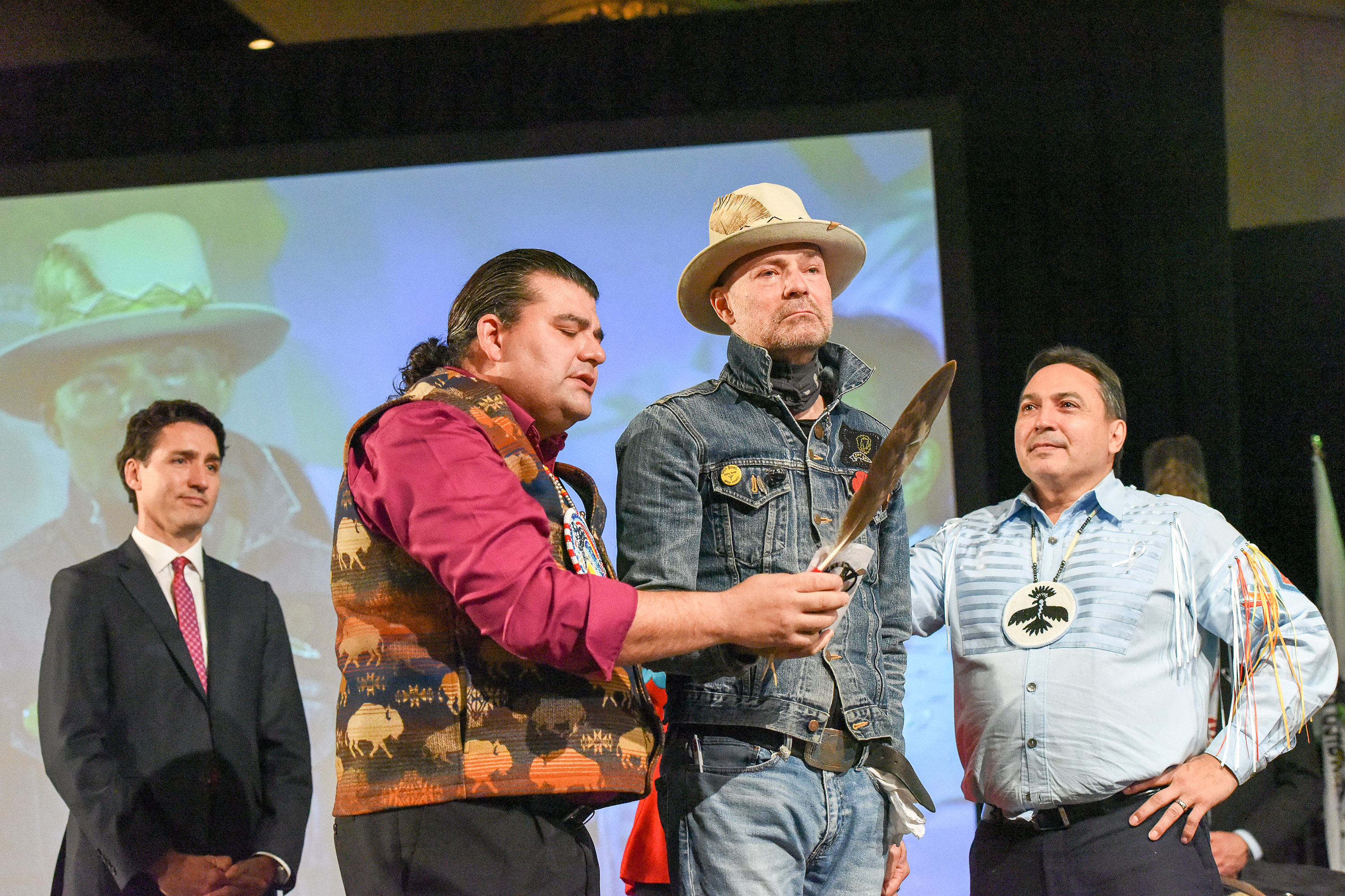 "AFN National Chief Perry Bellegarde Honours Memory of Gord Downie – Wicapi Omani, ""Walks Among the Stars"", Offers Condolences to Family"